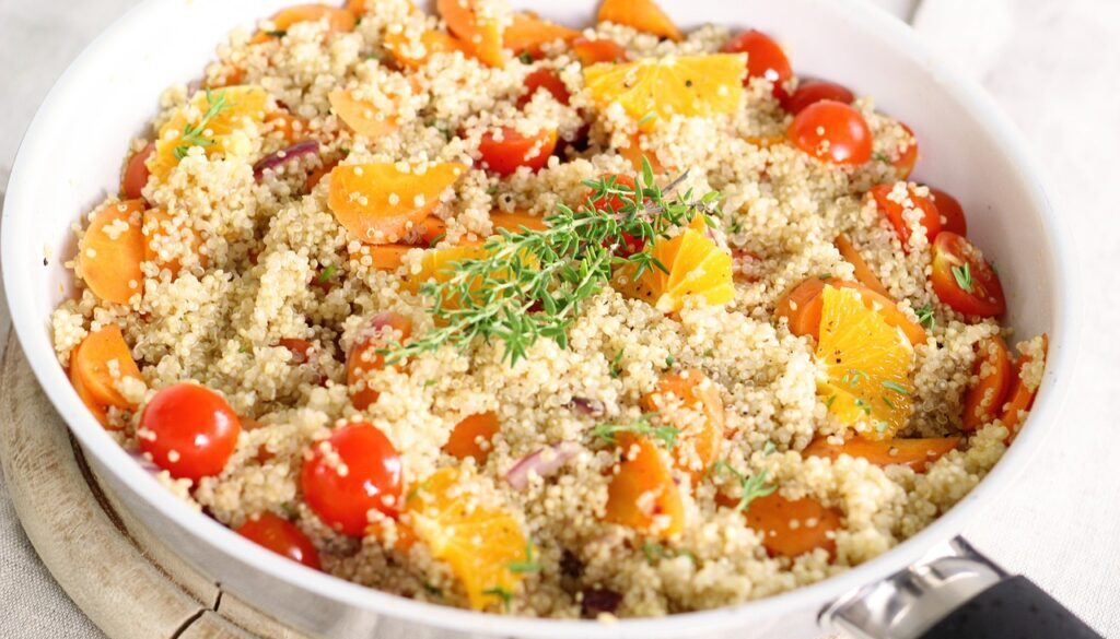 quinoa pan-1832926_1280